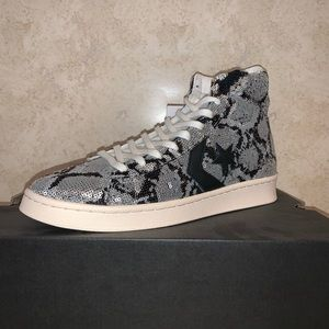 Converse Shoes - Converse Pro Leather Mid